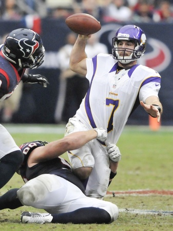 Christian Ponder throw it away