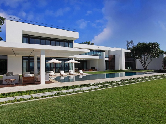 "Alex ""A-Rod"" Rodriguez of the New York Yankees mansion Miami"