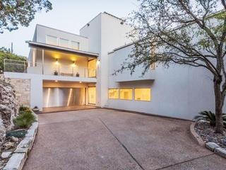 Modern Home Tour Austin_600 Terrace Mountain_exterior_2015