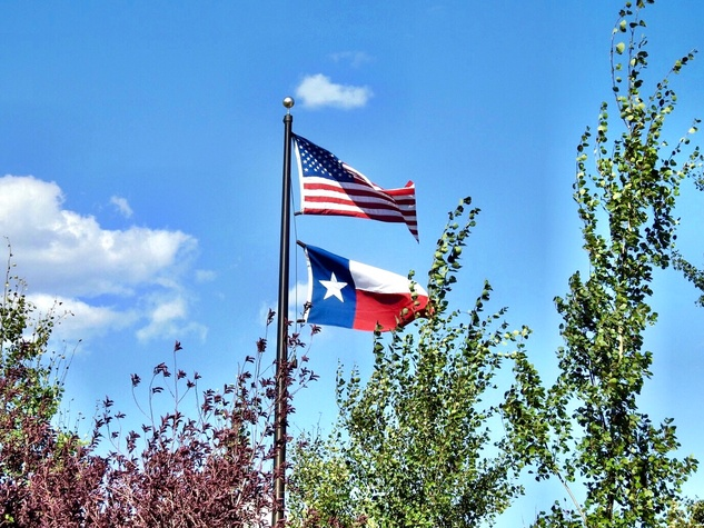 Texas Flag flies high in Park City