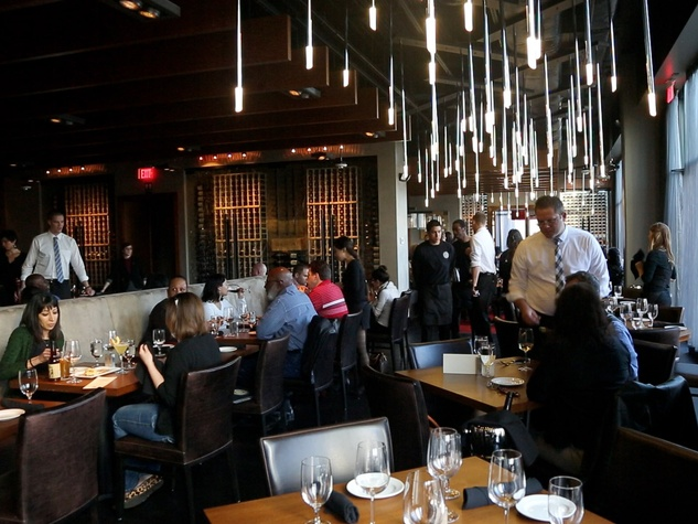 Bottom's Up, Del Frisco's Grille, March 2013, interior, crowd
