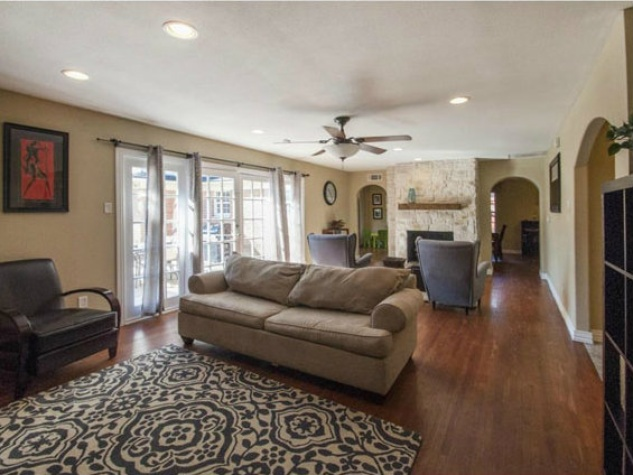 Living room at 806 Knoll in Dallas