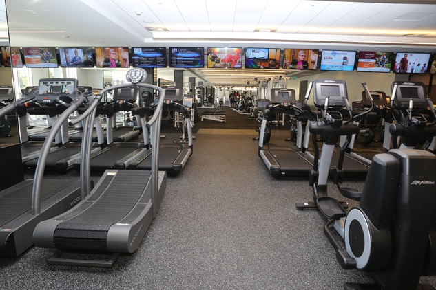Cardio center at Equinox River Oaks District