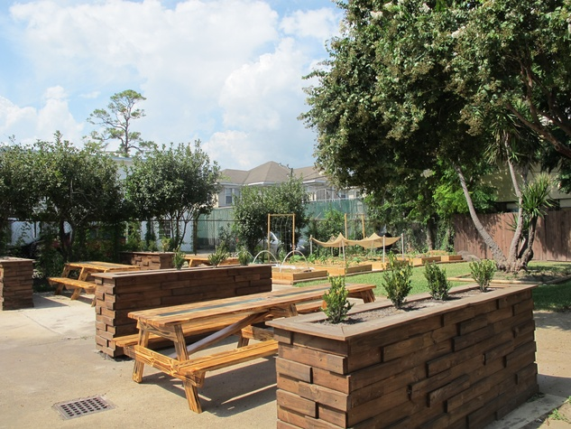 Restaurant Buzz: A New Backyard Barbecue Beer Garden Is