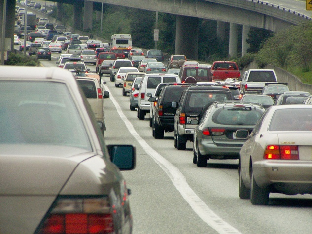 News_traffic jam_cars
