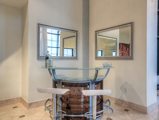 14 On the Market 1005 S. Shepherd Dr. No. 814 penthouse May 2014
