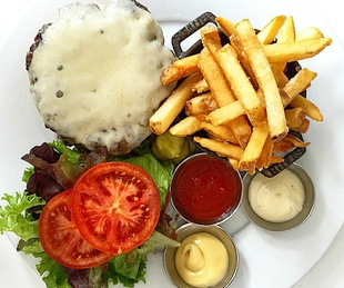 Second Bar and Kitchen_Congress Burger_fries_2015