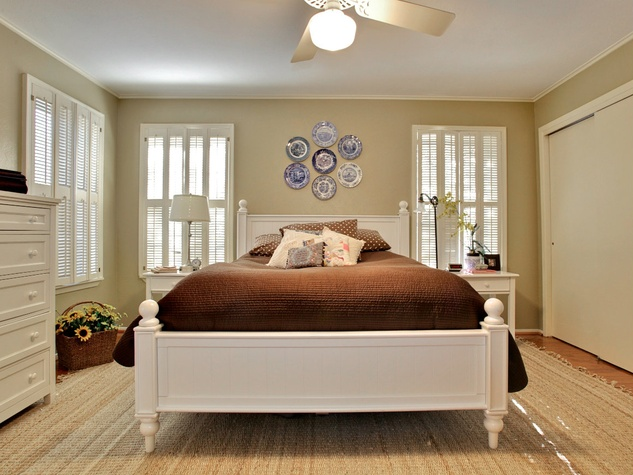 Bedroom at 3197 Westcliff Rd. in Fort Worth