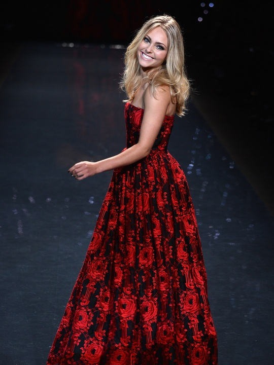 AnnaSophia Robb, wearing Alice + Olivia, walks the runway at Go Red For Women - The Heart Truth Red Dress Collection 2014 Show