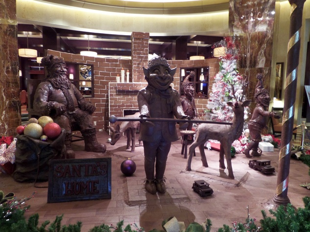 1 Chocolate Santa at Hilton Americas December 2014
