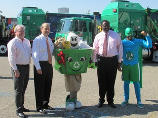 9 art recycling trucks August 2014