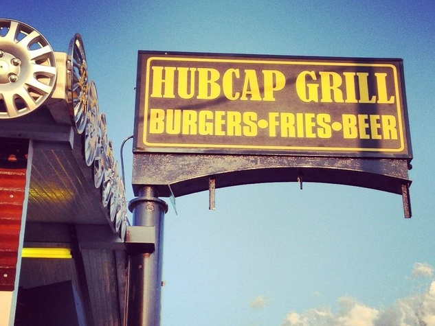 Hubcap Grill, sign