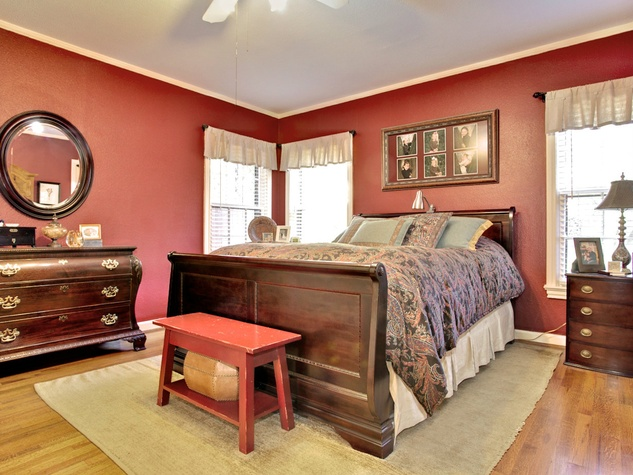 Master bedroom at 3197 Westcliff Rd. in Fort Worth