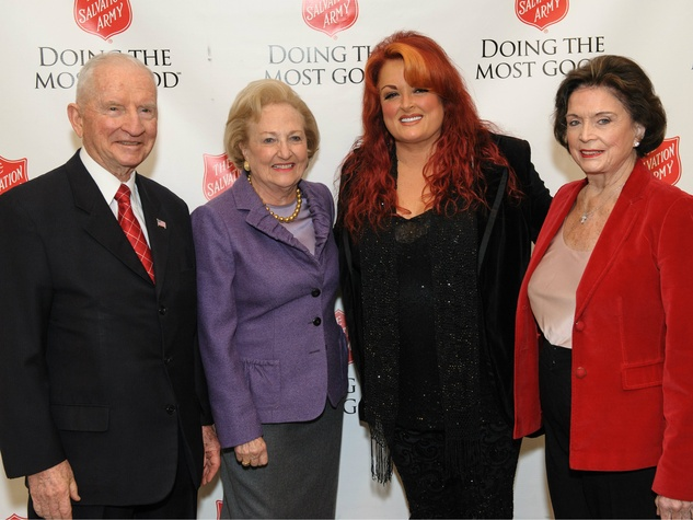 ross perot, margot perot, wynonna judd, betsy herschel at doing the most good luncheon