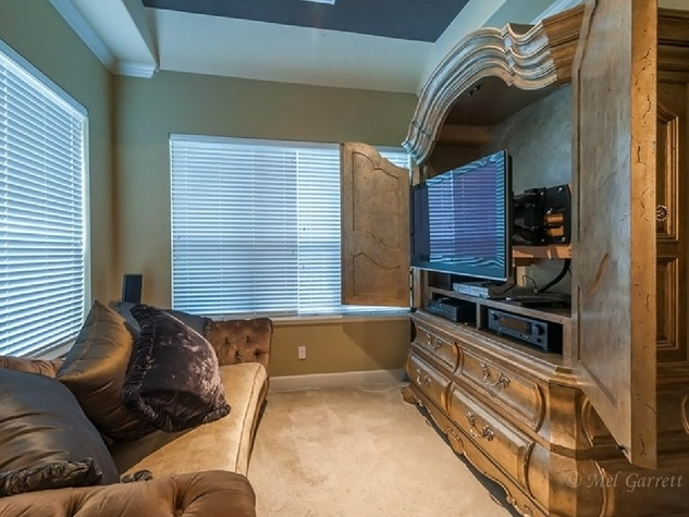 On the Market Vince Young Royal Oaks house 12006 Legend Manor Drive October 2014 master sitting area