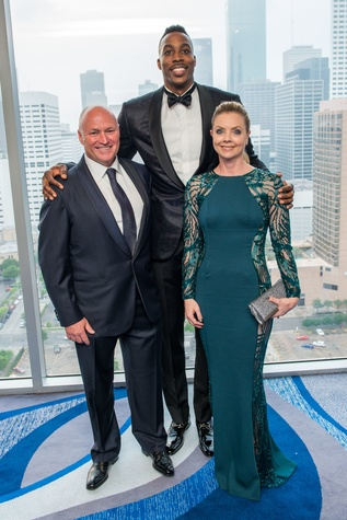 Dr. Walt Lowe, from left, Dwight Howard and Dawn Lowe at the Circle of Life Gala April 2015