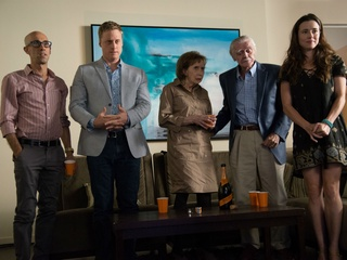 Mitch Silpa, Alan Tudyk, Joyce Hiller Piven, Jack Wallace and Linda Cardellini in Welcome to Me
