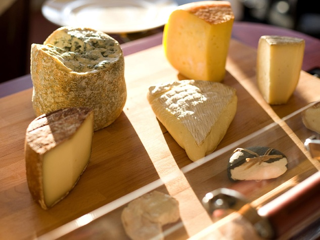 Places_Food_Chez Rouz_cheese plate