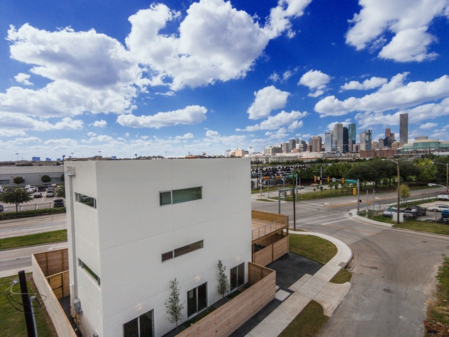 18 On the Market 3000 Hawkins St. December 2014 skyline view Hawkins aerial edited DJI00920 copy by V.J. Arizpe