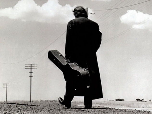 News_Douglas Newman_Johnny Cash_guitar case