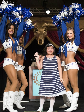 Lynette Quintana and Dallas Cowboy Cheerleaders, Children's Cancer Fund Lunceon