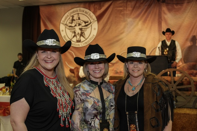 News, Champagne Cowgirls,DeeDee Marsh, Kelli, March 2014gg Ring, Ellie Francisco, March 2014