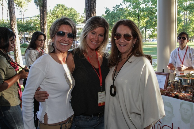 2877 Annie Amante, from left, Wendy Lerway and Lori Farris at the Risotto Festival November 2013