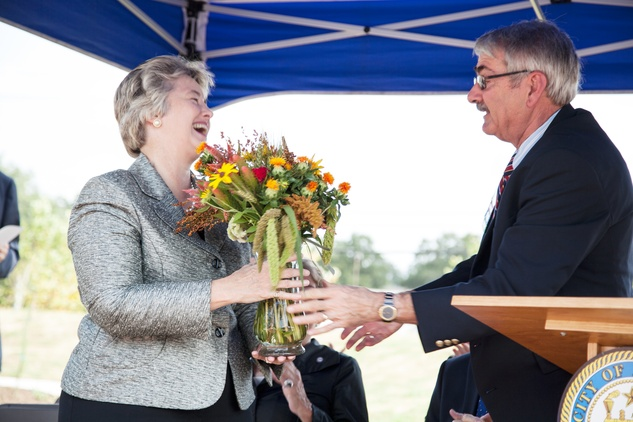 Annise Parker and Skip Almoney at Mandell Park dedication August 21, 2014
