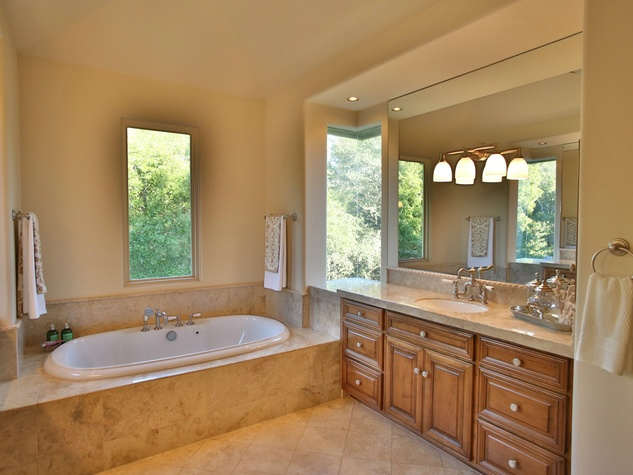 3620 Ranch Creek house for sale bathroom