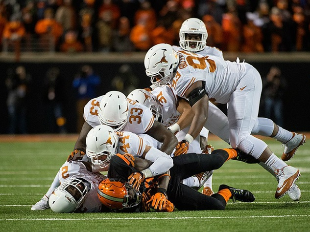 University of Texas_Longhorns football_Defense_Oklahama_2014