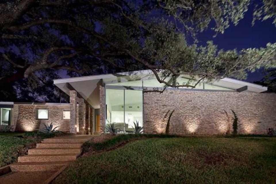 Modern sense and sensibilities a sneak peek at over 15 for Modern austin homes