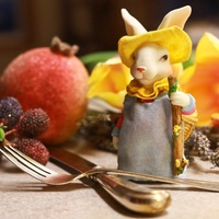 News_Easter_table setting_rabbit