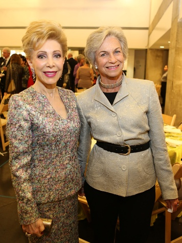 Margaret Alkek Williams, left, and Anne Mendelsohn at the Alley Theatre CenterStage Dinner