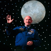 News_H-E-B_Excellence in Education banquet_May 2012_Mark Kelly