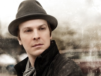 Austin Photo Set: News_Mikela_gavin degraw_may 2012_promo