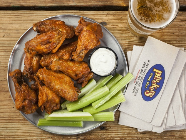 Pluckers Wing Bar 10 piece