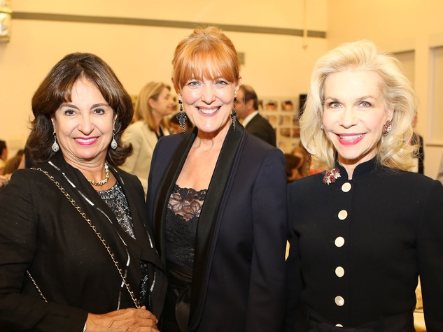 Mady Kades, from left, Gracie Cavnar and Lynn Wyatt at the Alley Theatre CenterStage Dinner