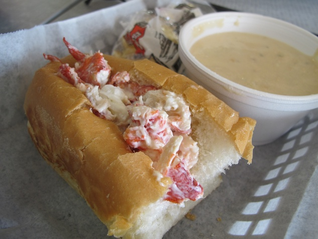 Ruthie where to eat right now October 2013 Maine-ly Sandwiches Lobster Roll