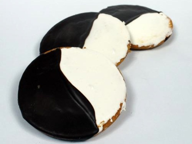Three Brothers Bakery, cookes, black and white, chocolate and vanilla