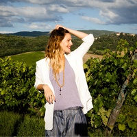 Drew Barrymore in a vineyard