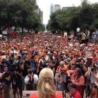 Wendy Davis stand with Texas Women democratic party protests State Capitol