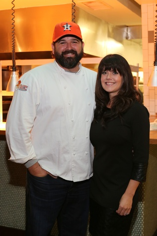 14 Bryan and Jennifer Caswell at TUTS' Vine & Dine November 2014