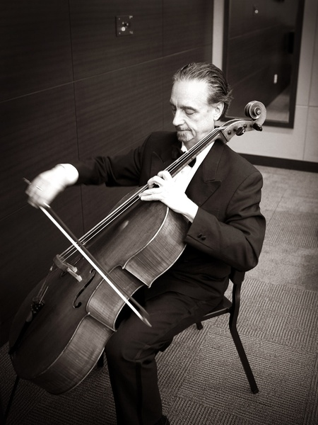 Moving on from Emerson: Renowned cellist retiring with a Houston go