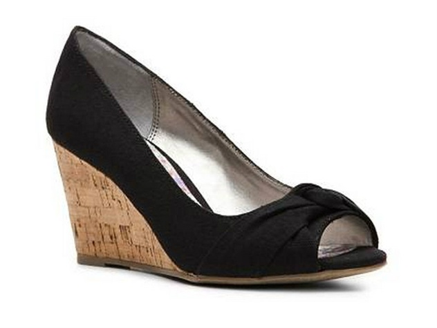 dsw black peep toe wedge