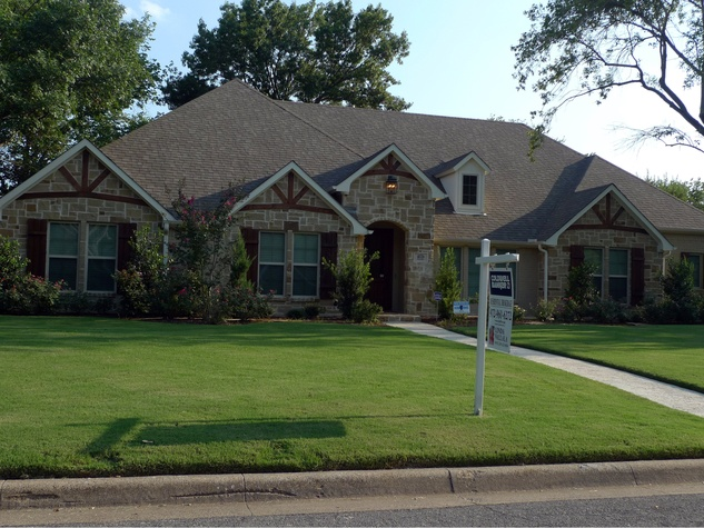Mike Miles' North Dallas ranch at 4026 Hockaday Dr.