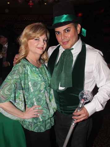9S Kim Padgett and Edward Sanchez at the Emerald City ESCAPE Celebrity Serve Benefit April 2014