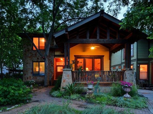 Austin home for sale 607 East 49th Hyde Park exterior
