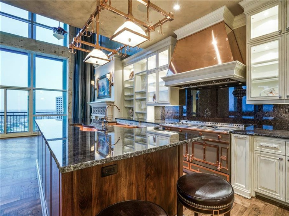 500 Throckmorton St. #3602 for sale