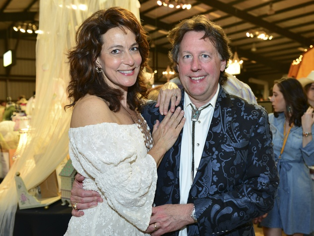 1 Lauri and David Gordon at Cattle Barons Ball April 2014