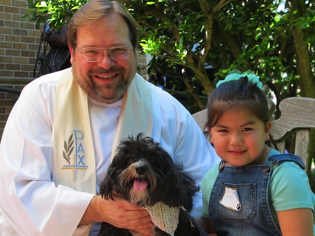"6 Katie Oxford Blessing of the Animals at Bellaire United Methodist March 2015 Pastor Jim Flagg, ""Gumbo"" and Sarah"